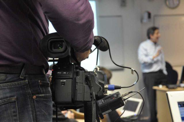 全国3000多所本科院校,900多所都开设了新闻学本科专业